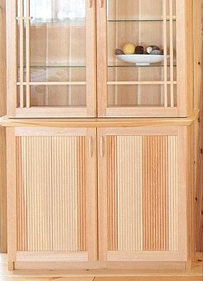 収納性に優れた食器棚