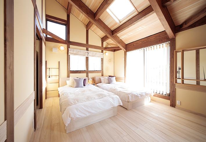 桐の寝室にし、身体にも優しく、木の温もりを感じながら眠る時間