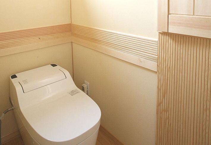 壁厚収納でトイレットペーパーもすっきり収納